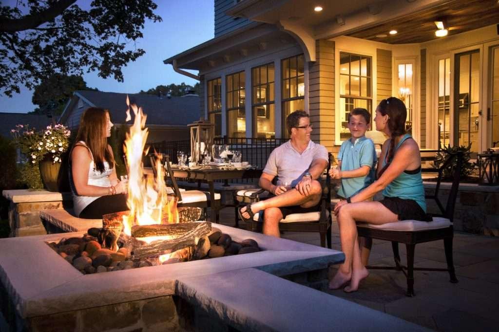 Minneapolis-landscaping-patio-furniture-backyard