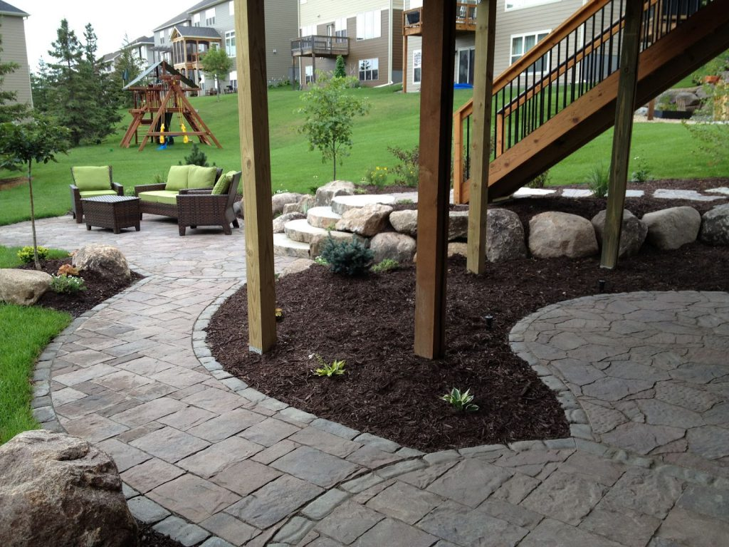backyard-outdoor-furniture-Minneapolis-landscaping